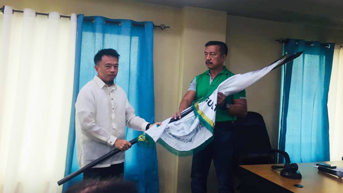 SND's FATHER AND SON TANDEM START FRESH MANDATE BY EXCHANGING GAVEL, LGU BANNER