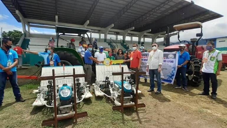 SND LAUDS DA-10 FOR GIVING P10.4-M WORTH OF POST-HARVEST FACILITY, MACHINERY